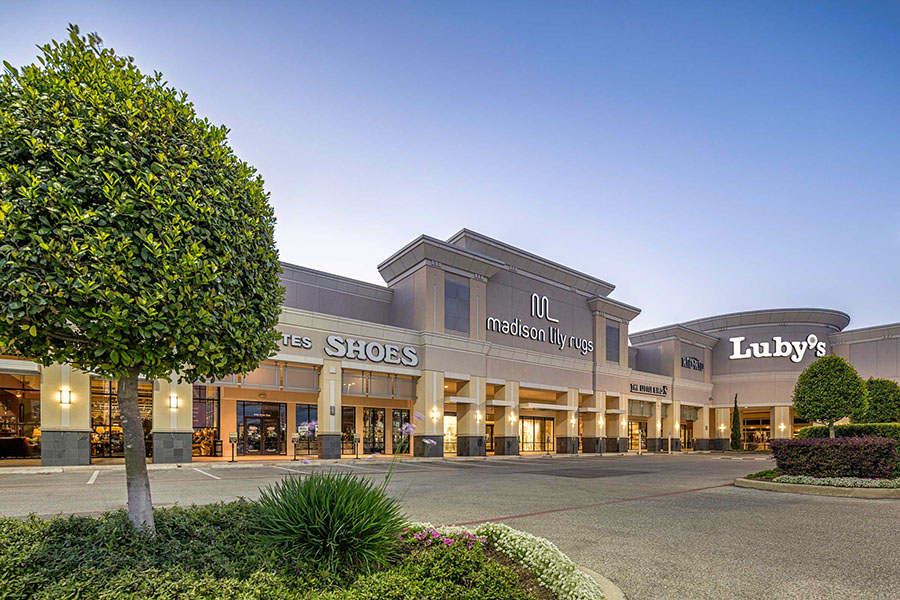 Levinson alcoser associates markets retail clients for Exterior standalone retail